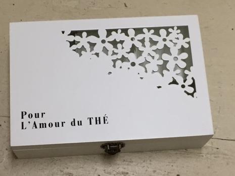 """""""Pour l'amour du thé"""" tea box"""